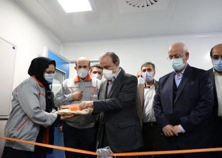 وزیر صنعت خط تولید کامپیوتر خودرو را افتتاح کرد