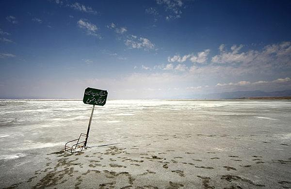 آبی برای رهاسازی به دریاچه ارومیه وجود ندارد/ آیا کشاورزی و صنعت با برنامه احیاء چالش دارند؟