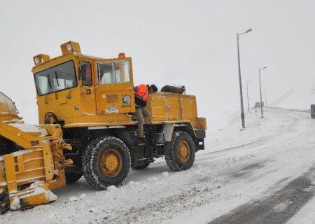 تلاش برای بازگشایی راه دسترسی ۶۰ روستا در آذربایجانشرقی ادامه دارد