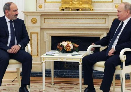 پوتین: احیای روابط تجاری و جادهها، مهمترین بخش بازسازی مناطق جنگزده است