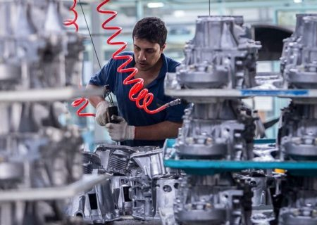 مسئولان استانی خود را در برابر مردم پاسخگو نمیدانند/ آذربایجانشرقی جایگاه صنعتی خود را از دست داده است