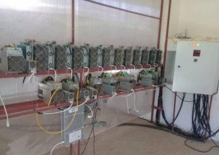 ۱۲۱ دستگاه ماینر در کارگاه لامپسازی در تبریز کشف شد