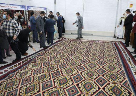 رونمایی از بزرگترین گلیم کشور در نمین استان اردبیل