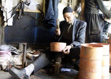 هشت هزار زنجانی در رشتههای مختلف صنایع دستی اشتغال مستقیم دارند