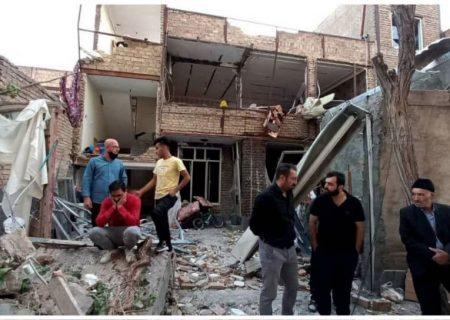 انفجار ناشی از نشت گاز شهری ساختمان ۲ طبقه در تبریز را تخریب کرد