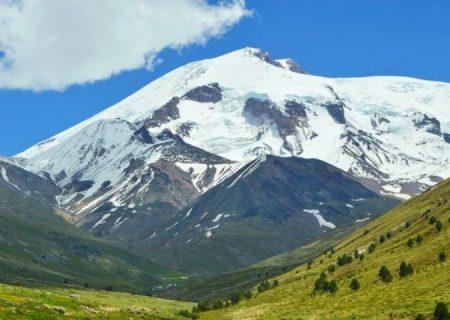 برنامه ریزی برای احداث تفرجگاه در دامنه بلندترین کوه قفقاز