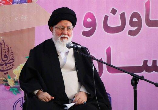 روزنامه جمهوری اسلامی: برای دولت جدید مثل دولت احمدینژاد تقدس نتراشید