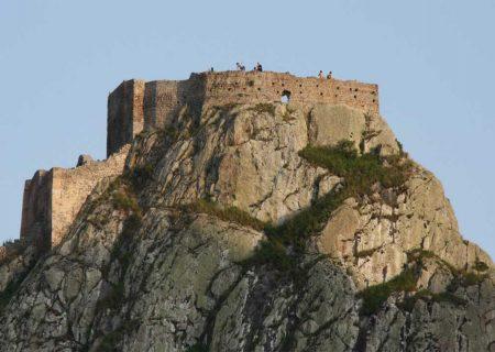 اتمام فاز دوم عملیات نیرورسانی مسیر دسترسی قلعه تاریخی بابک