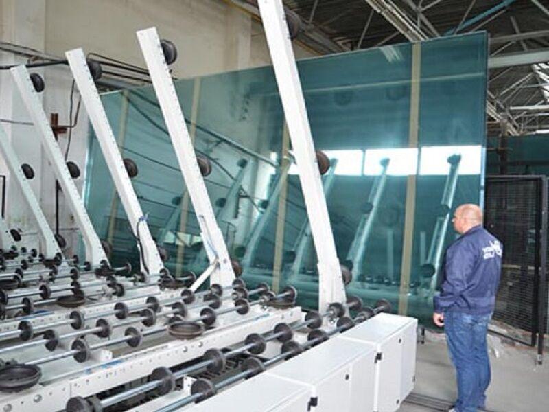 صادرات ۶۲۰ میلیون دلاری صنعت شیشه در آذربایجانشرقی
