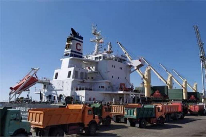 امسال ۸۵هزار و ۵۰۰ تن کالا از بنادر جنوب به آذربایجانشرقی حمل شده است