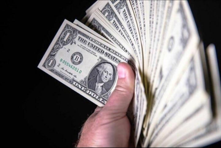 قیمت دلار تقریبا ثابت است