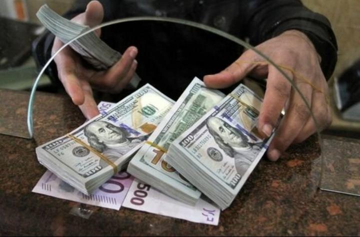 عقبکشی قیمت دلار