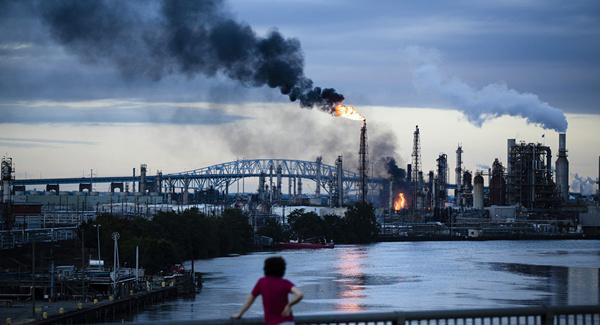 توضیح شرکت نفت دولتی آذربایجان درباره علت انفجار در دریای خزر
