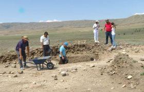 یافته های مربوط به عملیات کاوش های باستانشناسی در منطقه کئشیکچی داغ مربوط به عصر برنز میانی فی مابین مرز آذربایجان با گرجستان