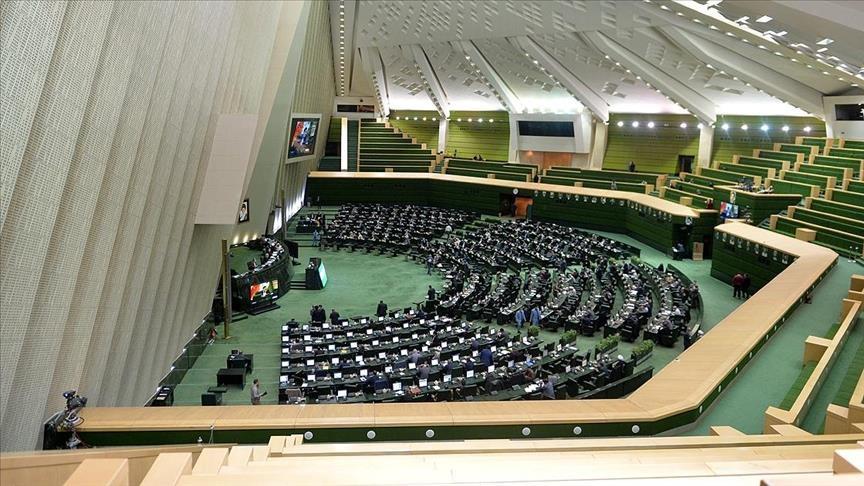 مهلت ۴۵ روزه مجلس به دولت برای ساماندهی کارکنان دولت