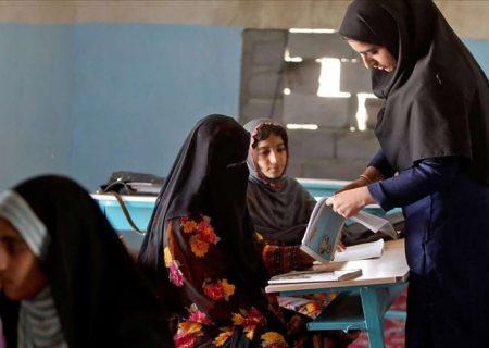دختران عشایر آذربایجان غربی به علت ناتوانی در خرید کتاب از تحصیل بازماندهاند