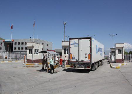 مرز بازرگان؛ رکنی بر رونق تجارت خارجی ایران