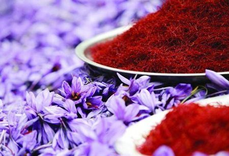 افزایش ۲۱.۵ درصدی صادرات زعفران/ ۱۵ درصد ارزش افزوده صادرات به کشور بازنمیگردد