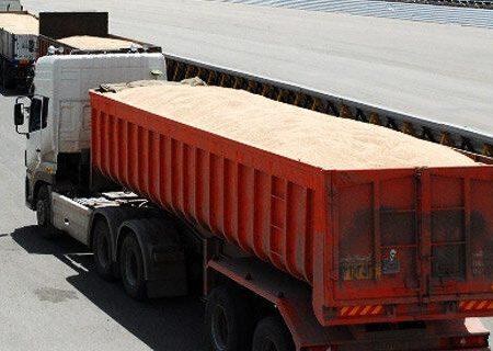 ۲۵ تن گندم قاچاق در میانه کشف شد