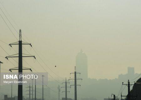 کاهش دما و مازوت نیروگاه، عامل اصلی آلودگی هوای کلانشهر تبریز است