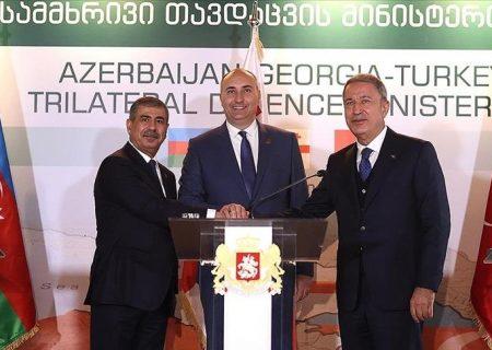 وزرای دفاع ترکیه، آذربایجان و گرجستان بر تقویت همکاریها تاکید کردند